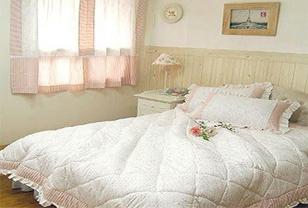 唯美韩式床品装点田园风格卧室