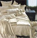 奢华床品缔造如宫廷般华贵卧室