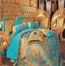 金色花样床品打造贵族风格卧室