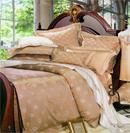 奢华床品缔造华贵高雅卧室空间