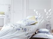 恬静素雅床品打造清爽简约卧室
