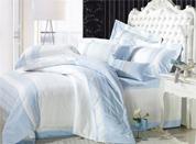 清爽床品营造轻松舒适卧室氛围