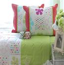 靓丽床品打造动感灵动卧室
