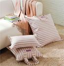时尚布艺靠垫为客厅制造新亮点