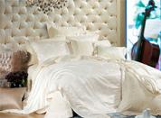 白色床品让卧室回归自然简约时尚