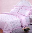 甜蜜花朵床品为居室带来纯真色彩