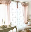 温馨布艺窗帘打造不一样家居风情