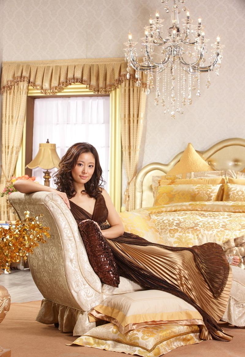 林心如代言美罗家纺完美呈现居家女性典雅气质。美林心如于婉约柔美中透出时尚优雅与美罗家纺品牌形象天然契合,教会你如何散发女性魅力。来欣赏林心如代言美罗家纺精美家居照吧!
