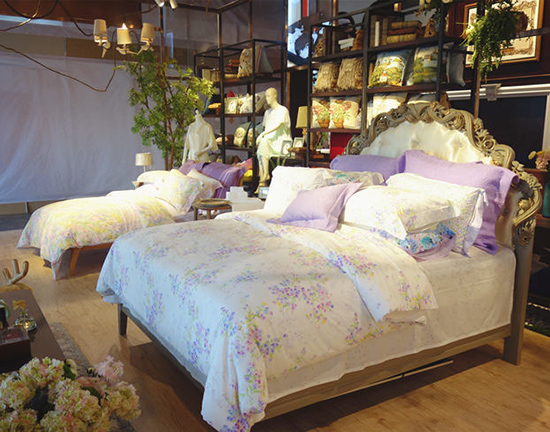 风格各异的床品搭配 你喜欢哪个?