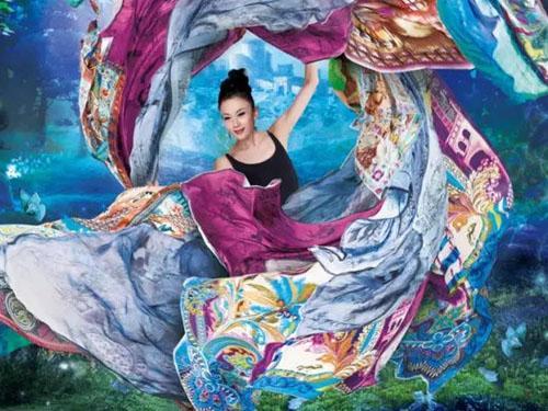 富安娜艺术家纺原创时尚丝巾设计鉴赏