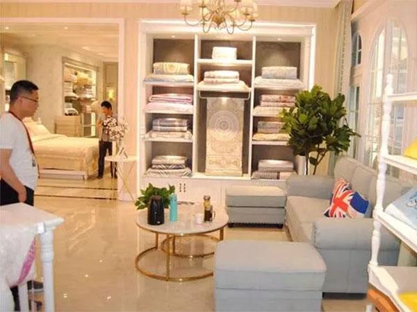 【品牌家纺网讯】上海百丽丝家纺是国内大型家纺企业水星控股集团旗下的又一强势品牌,是集研发、设计、生产、销售于一体,引领时尚的专业家纺品牌。百丽丝家纺第五代新形象全面展示!
