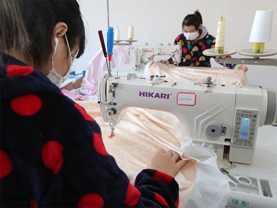 """家纺""""手工定做"""",农村夫妇开家纺店年入30万!"""