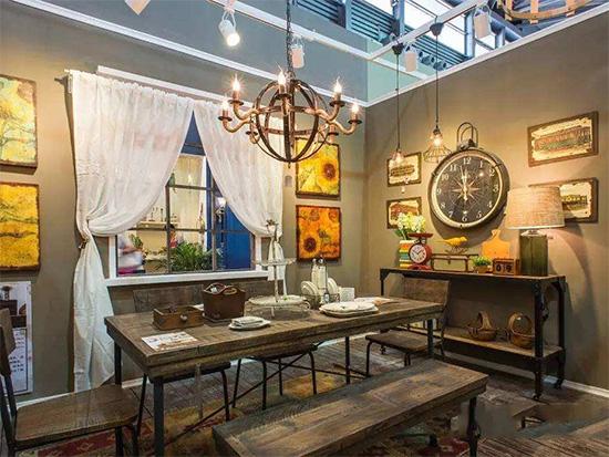 可立特家居生活CreativeHome家居饰品是美国家居饰品行业公认引领者。在美国有超过11000家零售店在销CreativeHome的产品,已经融入超过60%的美国家庭。