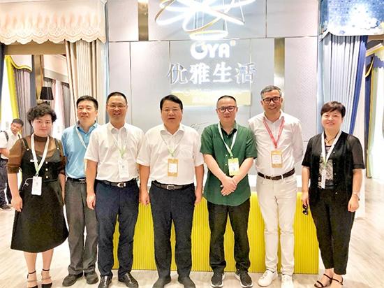 陈如根参观2019年中国国际家纺展