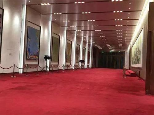 """""""东方红""""地毯铺进中国国际进口博览会"""