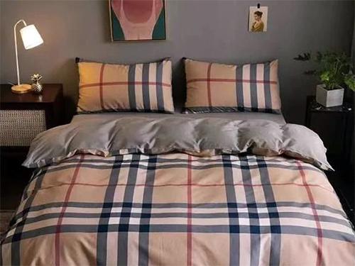 你家的床,到底该用多大的四件套?
