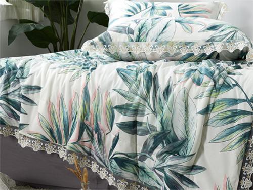 床上用品新选择:玻尿酸夏被养颜护肤睡出好气色