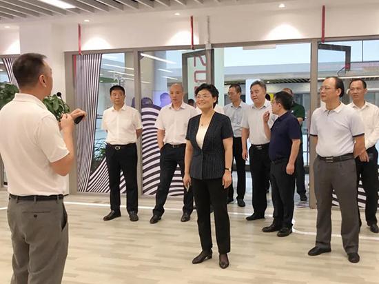南通国际家纺产业园区工作组一行莅临盛泽设界参观调研