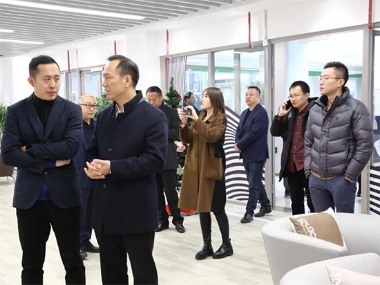 江苏南通国际家纺产业园区一行莅临盛泽设界考察