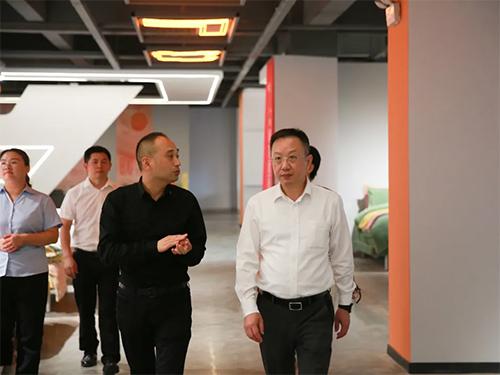 中国家纺协会会长莅临老裁缝指导